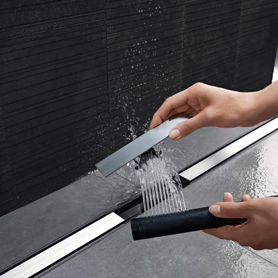 נקודת ניקוז למקלחת מסדרת CleanLine של Geberit - חלק פנימי משולב הניתן לשטיפה