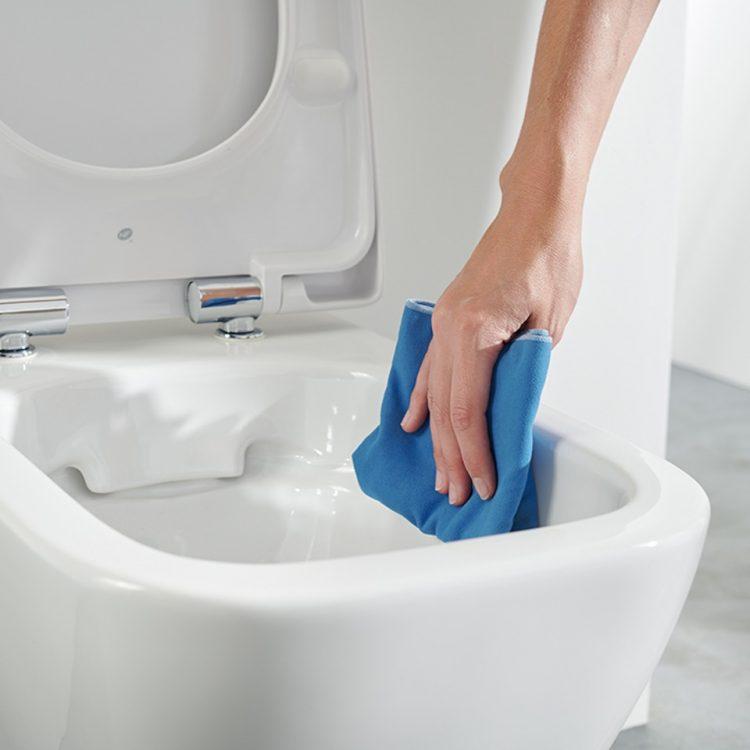 אסלות ללא תעלה Rimfree® המציעות אסתטיות מרשימה ומונעות הצטברות של חיידקים.