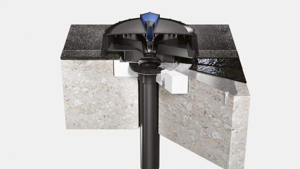 נקז סיפוני Geberit Pluvia לגג בטון עם ביטומנית המשמשת כאמצעי לנשיאת מים